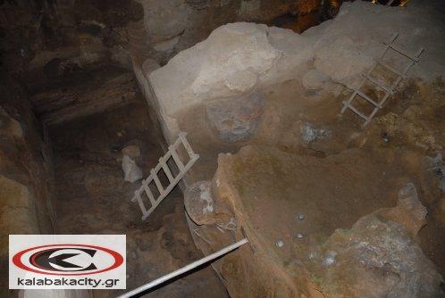 Αυγουστιάτικη πανσέληνος στο Σπήλαιο της Θεόπετρας